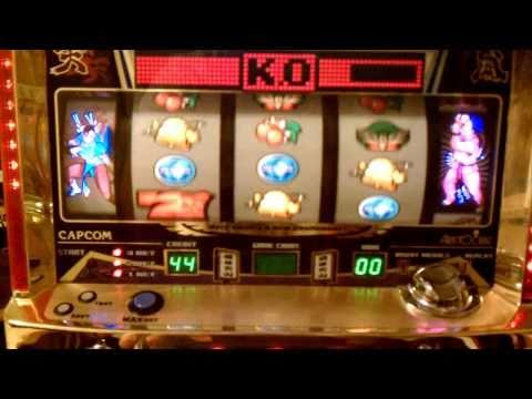 Street Fighter 2 Slot Machine Dan Fight