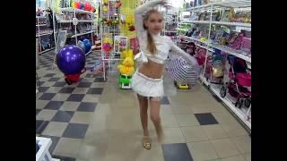 Танець від Каріни в ''KAPITO TOY'' у Богуславі
