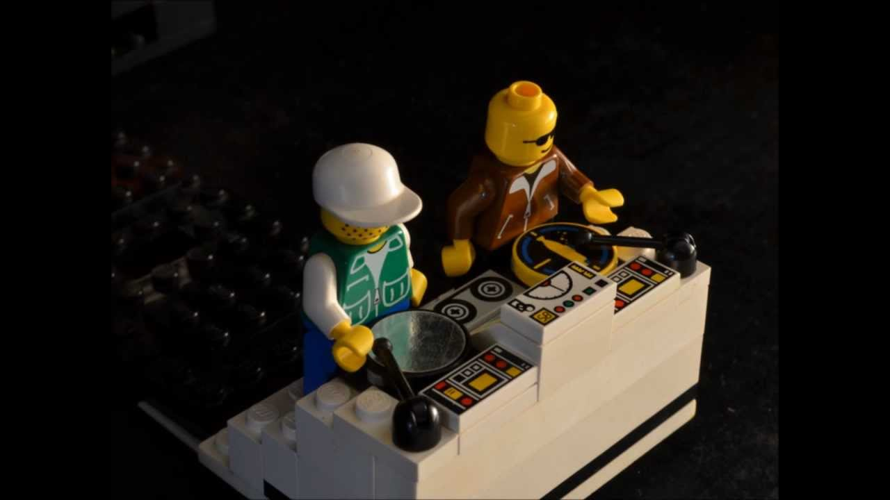 How to Build a LEGO DJ Booth - YouTube
