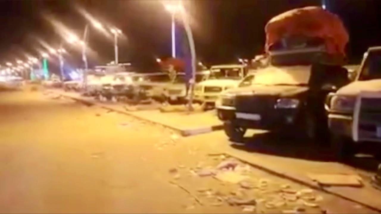 شاهد ماساة مئات اليمنيين العالقين في منفذ الوديعة بسبب اجراءات السعودية وغياب دور الشرعية