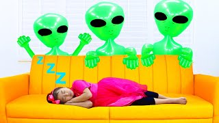 Jannie Pretend Play with Aliens Dolls | Funny Video for Kids