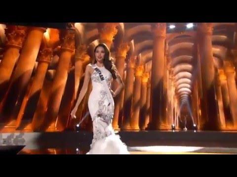 Phạm Hương trình diễn trang phục dạ hội ở Hoa hậu Hoàn vũ 2015 Miss Universe