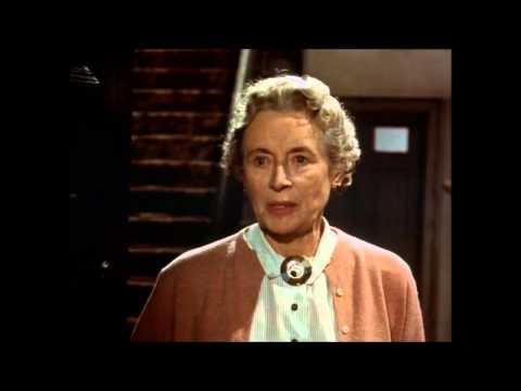 Sapphire (1959) -  Patsy and the landlady