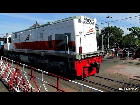 Lokomotif Baru PT KAI - Masih Kinclong Banget (Lokomotif CC 201 Kereta Api Indonesia)