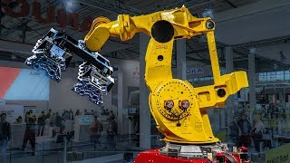 Industrial robots at EMO 2019 Hannover Messe