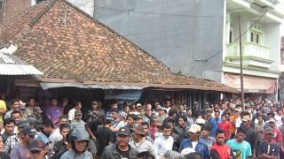 Demo Warga Plered Purwakarta ke Pemilik Perusahaan Batu Belah