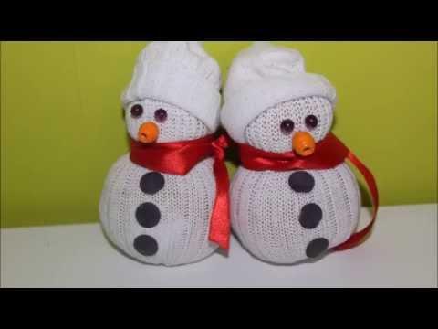 Diy no l bonhomme de neige en chaussettes youtube - Bricolage chaussette de noel ...