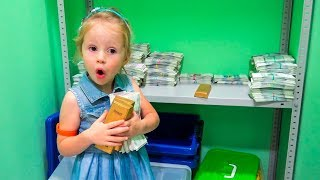 Kid's roleplay Bank Robbery