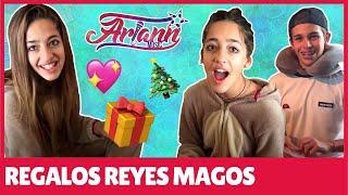 Abriendo regalos de los Reyes Magos - Ariann y mis amigos