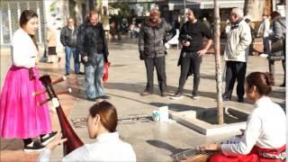 스페인 그라나다 거리의 깜짝 국악 버스킹 현장!