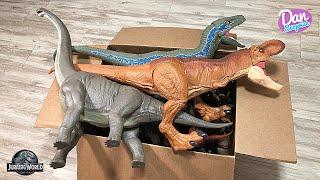 colossal-box-of-100-dinosaurs-jurassic-world-dinosaurs-prehistoric-animals