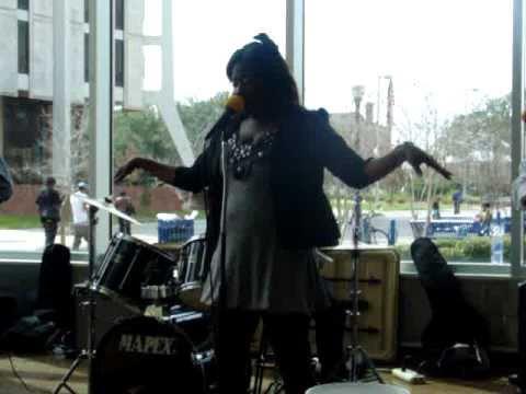 On & On Tamika MiMi Smith 2xTreme Performing Erykah Badu
