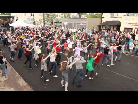 video:Five Points Jazz Festival Flash Mob by cmDance