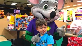 Chuck E. Cheese's Workers Throw Party for Boy After No One Came to His Birthday thumbnail