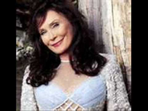 Loretta Lynn Here i am again