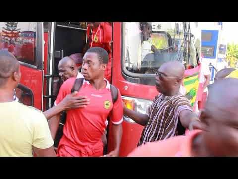 ASANTE KOTOKO TEAM (MTN-FA CHAMPIONS) ARRIVES IN KUMASI WITH ROUSING WELCOME BY FANS