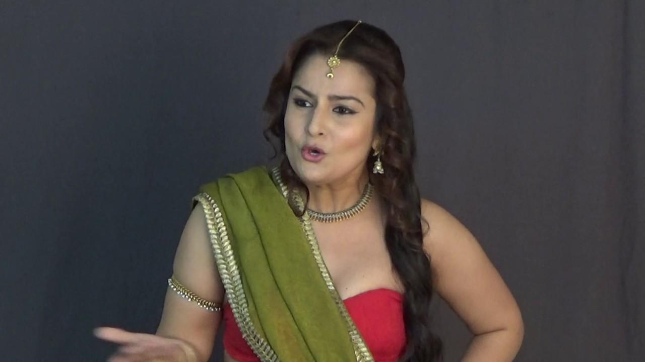 Is a cute Cleavage Priyanka Bassi  nudes (68 photo), Snapchat, braless