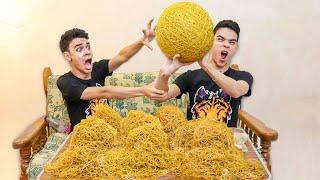 (جمعنا 100.000 استك وعملنا اكبر كرة في العالم من الاساتك !! (نهاية سيئة