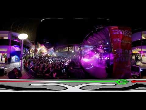 360º VIDEO: Brett Eldredge @ Fourth Street Live (Derby 2015)