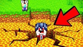 МАЙНКРАФТЕР УПАЛ В САМУЮ ОГРОМНУЮ ДЫРКУ! Майнкрафт Покет Едитион Троллинг Дети Minecraft Мультик ТОП