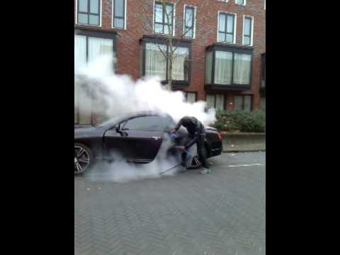 Auto stoomreinigen aan huis - YouTube