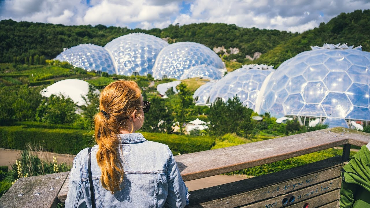 huge bubble biomes british pub grub eden project. Black Bedroom Furniture Sets. Home Design Ideas