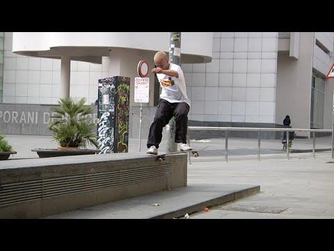 Macba Life - Volcom - Keep the plaza clean
