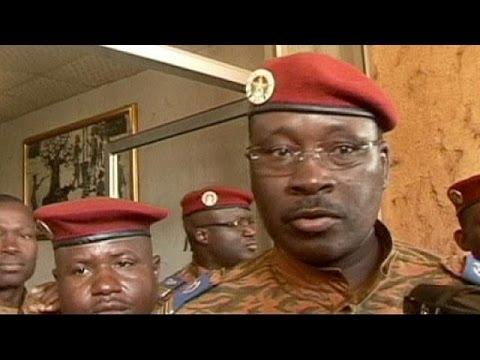 Átmeneti kormányt ígért az ideiglenes elnök Burkina Faso-ban