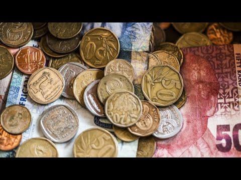 Rand, Bonds Gain as South Africa Dodges a Downgrade