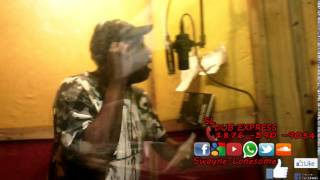 Peter Metro nuh put it deh behind the scenes of Swayne Lonesome dub plate session