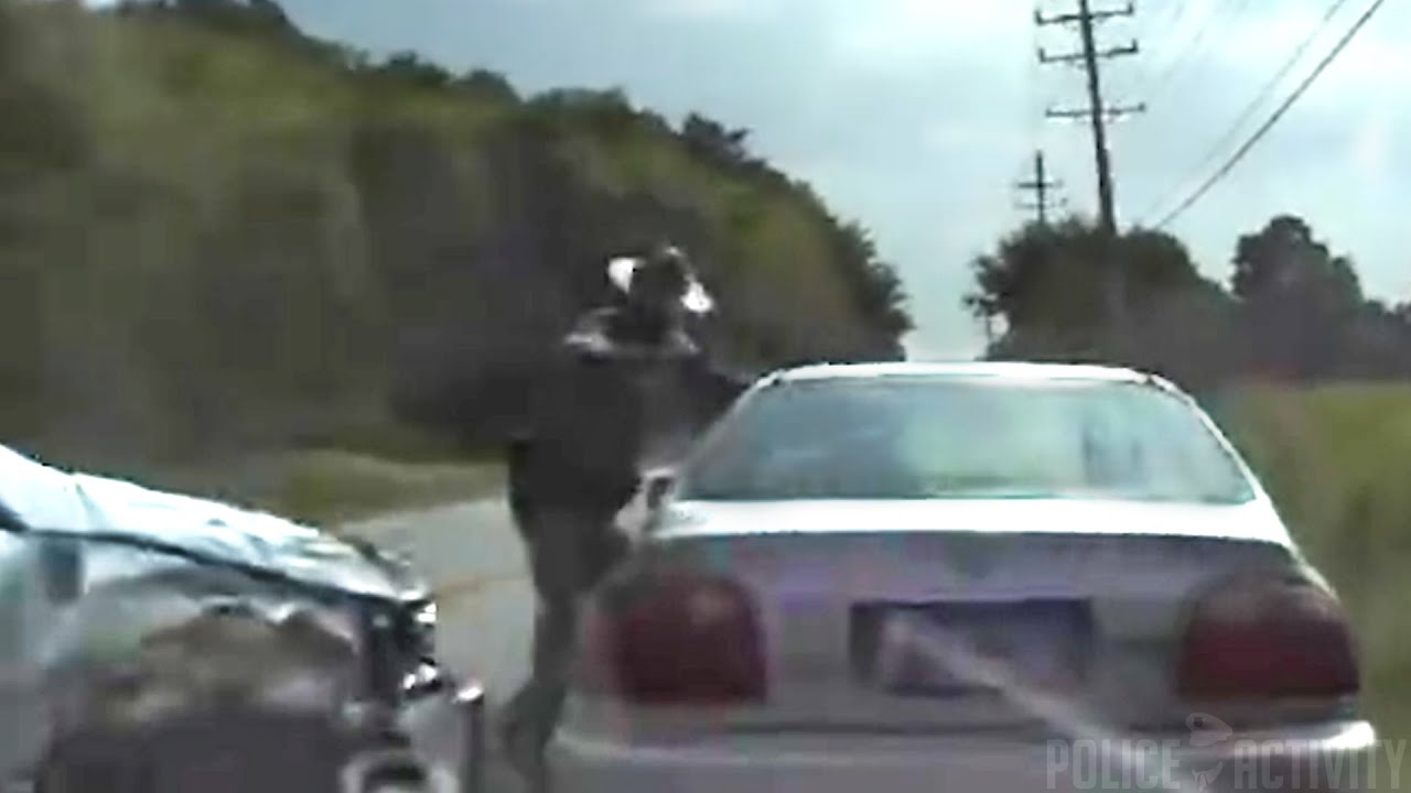 dashcam video captures ohio trooper hit by car youtube. Black Bedroom Furniture Sets. Home Design Ideas
