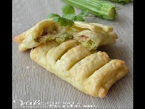 Antipasto veloce Sfogliatelle zucchine e tonno,Quick puff recipe zucchini and tuna,快速粉撲配方西葫蘆和金槍魚,
