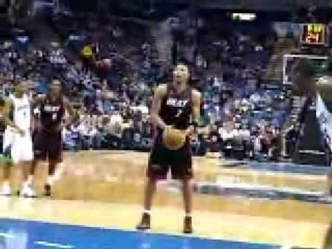 Shawn Marion Free Throw - YouTube