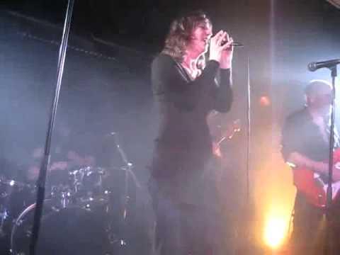 Hard Rock Karaoke - No one knows