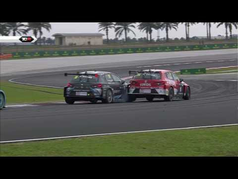Another crazy race!!! 2016 Sepang, TCR Race 2 Clip