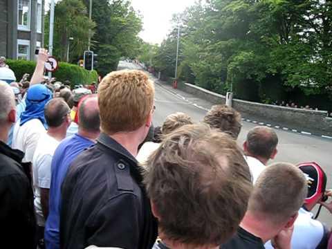 Isle Of Man TT 2010 - Bray Hill (180mph bend)