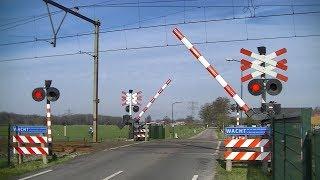 Spoorwegovergang Woudenberg // Dutch railroad crossing