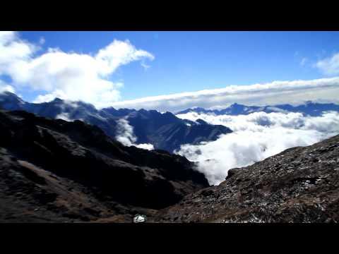 From Zatrwa La pas view towards Makalu Barun national park