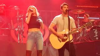 The Chainsmokers- This Feeling ft. Kelsea Ballerini (St. Paul Jingle Ball)