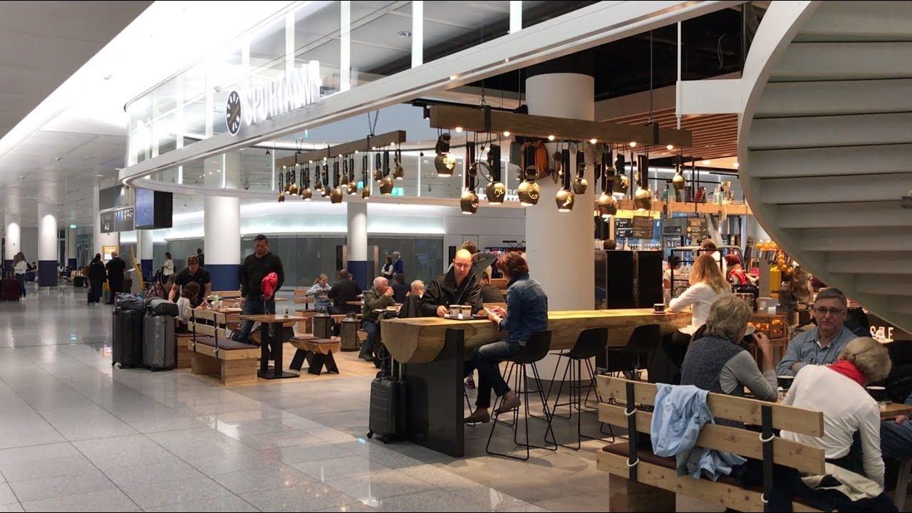 Free terminal aeroporto di monaco di baviera stock photo