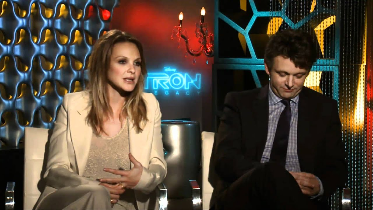 michael sheen & beau garrett tron: legacy interview - youtube