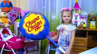 Самый Огромный Чупа Чупс с СЮРПРИЗАМИ Видео для детей Распаковка Giant Chuppa Chups Lollipops