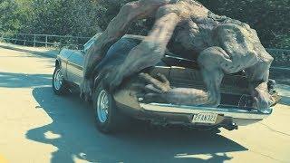 """【穷电影】神秘生物入侵地球,甚至从体内放出""""怪物"""",幸存的人类疯狂逃亡"""