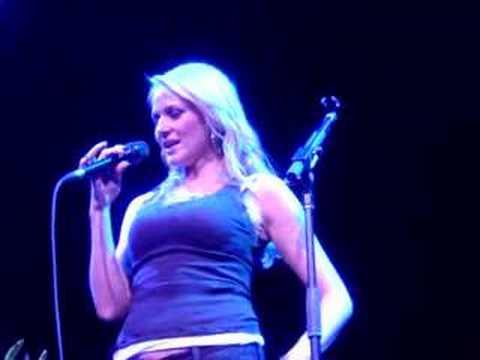 Jewel yodeling Chime Bells - Atlantic City 12.02.2006