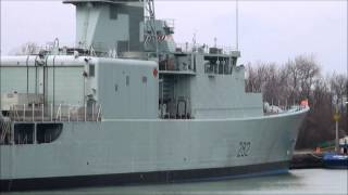 HMCS ATHABASKAN on Welland Canal