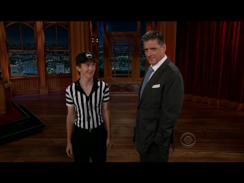 Late Late Show with Craig Ferguson 9/25/2012 Tom Selleck, June Diane Raphael
