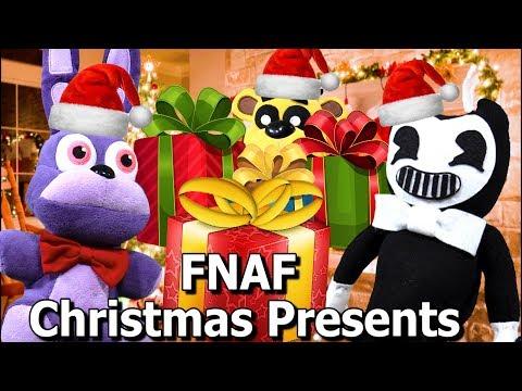 FNAF Plush Episode 125 - Opening Christmas Presents