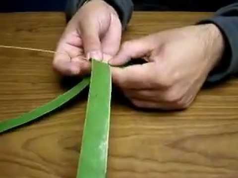 xếp lá dừa hình cây roi