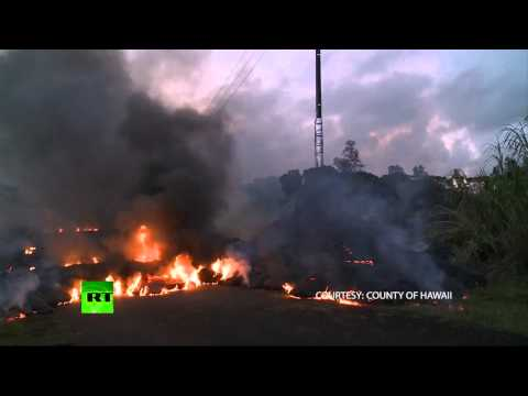 Kilauea volcano triggers evacuation fears on Hawaii