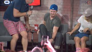 NerdHQ 2016: John Barrowman Crashes the Panel (Stephen Amell and Friends Conversation Highlight)